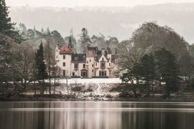 Margaret Soraya Photography shows the wintry magic of Loch Ness