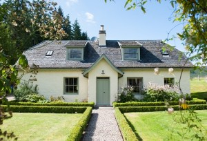 ivy cottage and garden holiday cottages aldourie castle estate loch ness