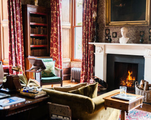 aldourie castle library scotland luxury holidays