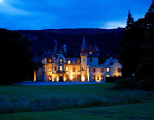 Aldourie castle at night