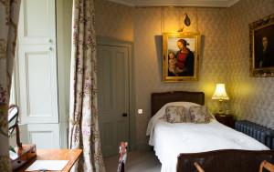 Lady-Gray-Single-Bedroom