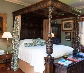 four poster luxury bedroom exclusive use Aldourie Castle Estate loch ness