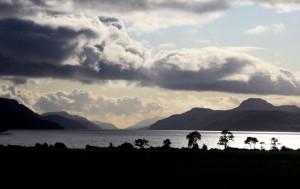 Aldourie Castle Loch Ness | Loch Ness Gallery