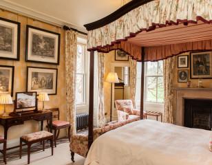 Aldourie Castle Mackintosh Bedroom