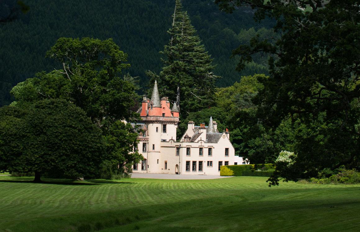 aldourie castle estate parkland
