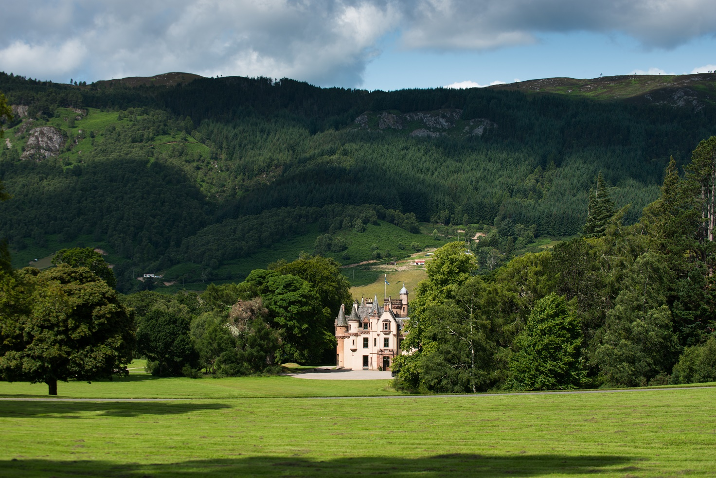Aldourie Castle Scotland parkland Castle Family Stays
