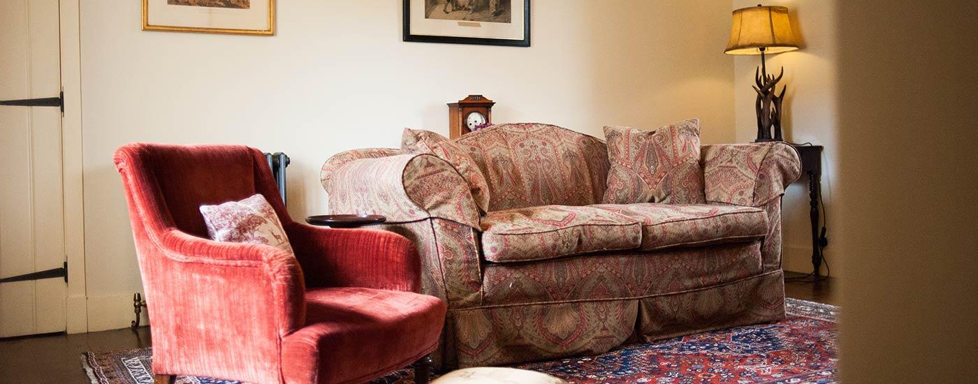 Aldourie-castle-Loch-Nes-Ivy-Cottage-008_sm