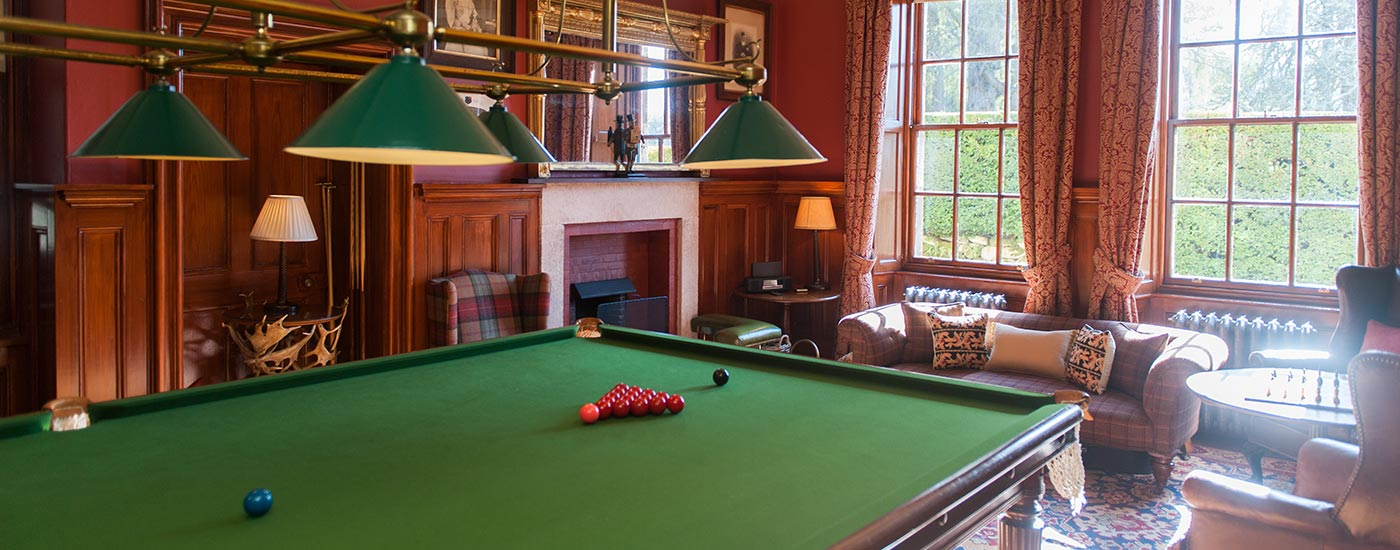 Aldourie-castle-billiards-room-exclusive-use_sm