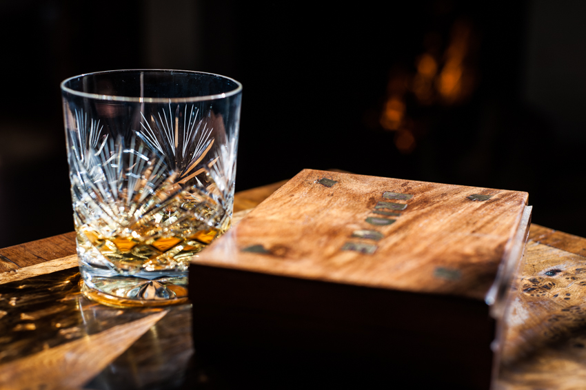 dram of whisky Aldourie Castle Inverness