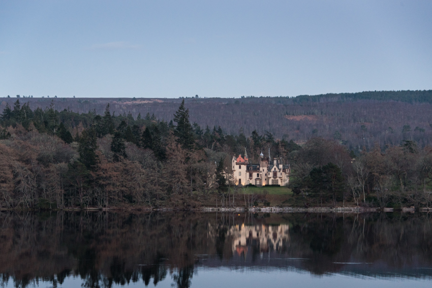 aldourie castle loch ness reflection