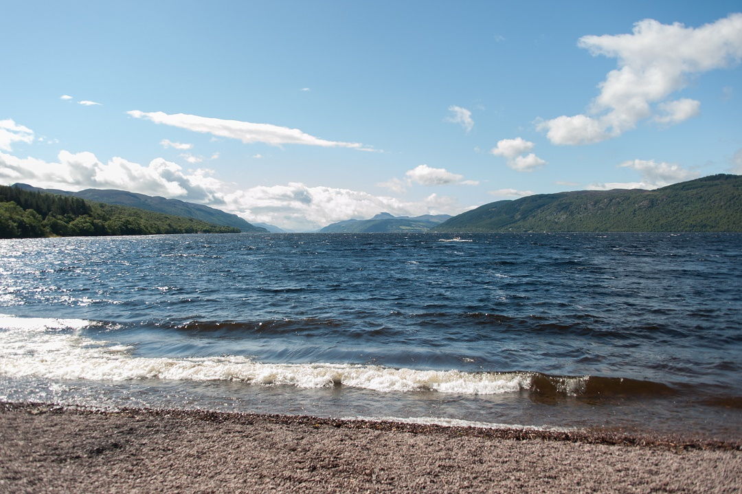 Couples holiday on loch ness