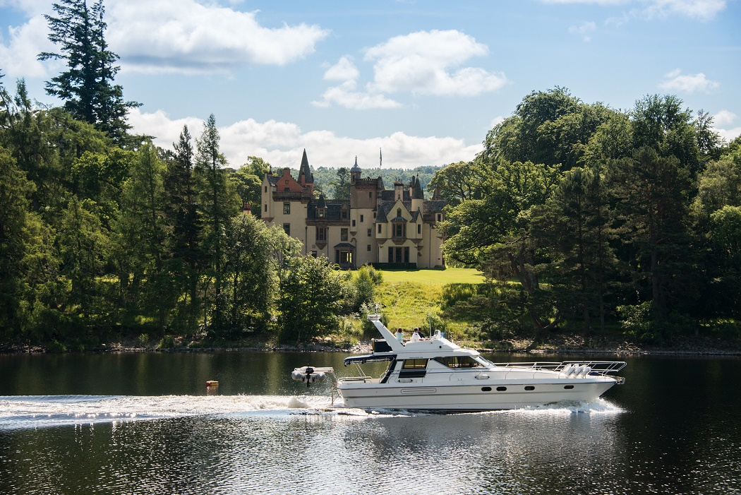 speedboat loch ness Aldourie Castle Estate stay in a castle