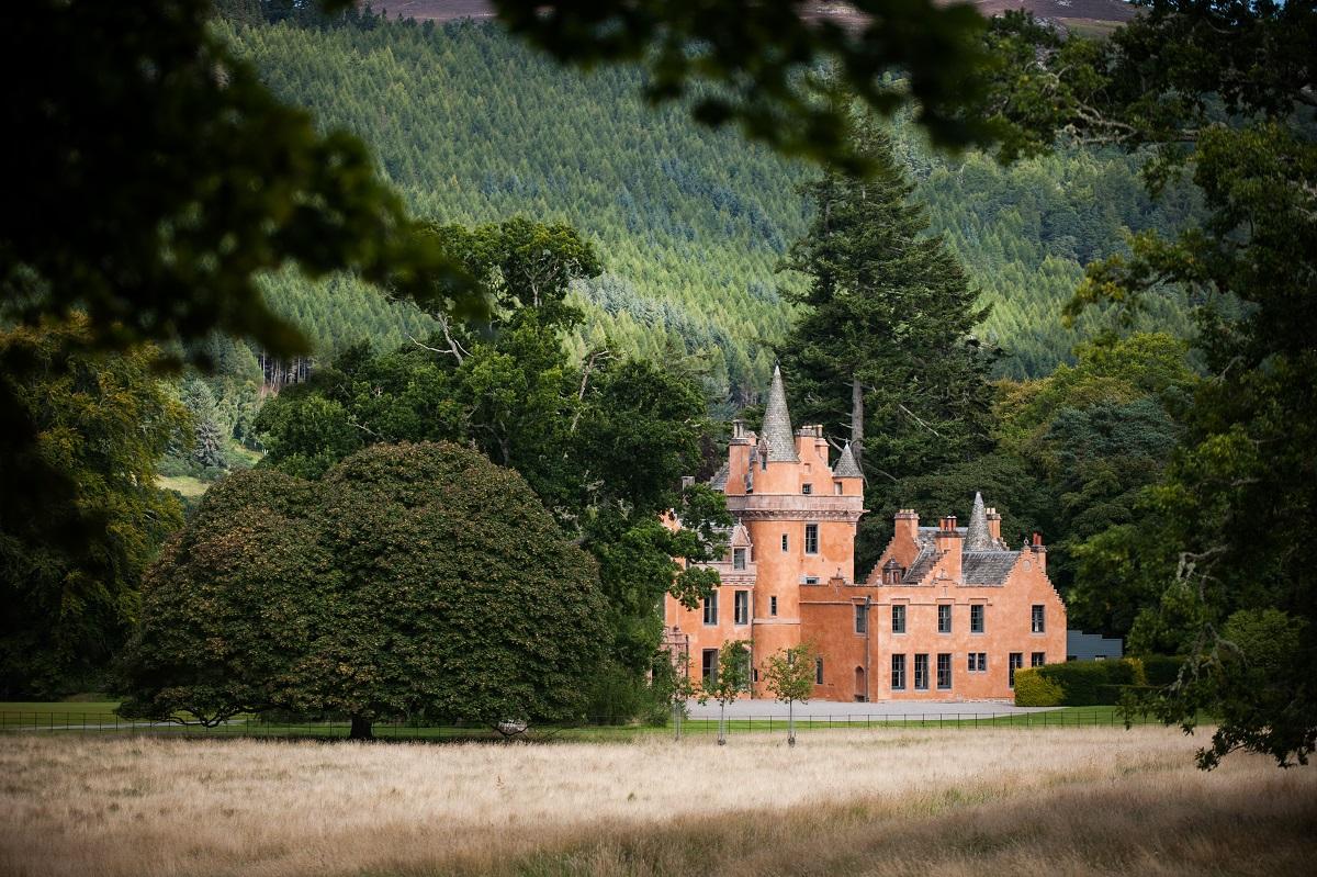 Easter in a Scottish Castle at Aldourie Castle Estate